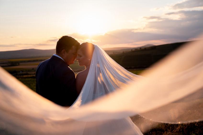 Menyasszonyi ruhaválasztás esküvői fotós szemmel